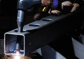 A Hypertherm user making a  hard-to-reach cut through a hole to opposite inside surface a of hollow square beam