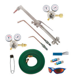 Miller® 30™ Series Medium Duty Acetylene Cutting, Heating And Welding Outfit, CGA-300 | Tuggl