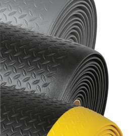 Superior Manufacturing 3' X 60' Black With Yellow Edge Dyna-Shield® PVC Sponge Notrax® Anti-Fatigue Floor Mat