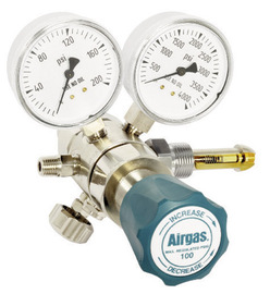 Airgas® Two Stage Brass 0-100 psi Analytical Cylinder Regulator CGA-580 With Needle Valve