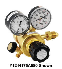 Airgas® Two Stage Brass 0.06 - 2 psi Ultra Low Delivery Pressure Cylinder Regulator CGA-580